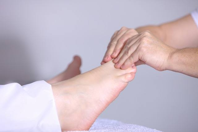 10 Tips to Take Care Of Your Feet Every Day